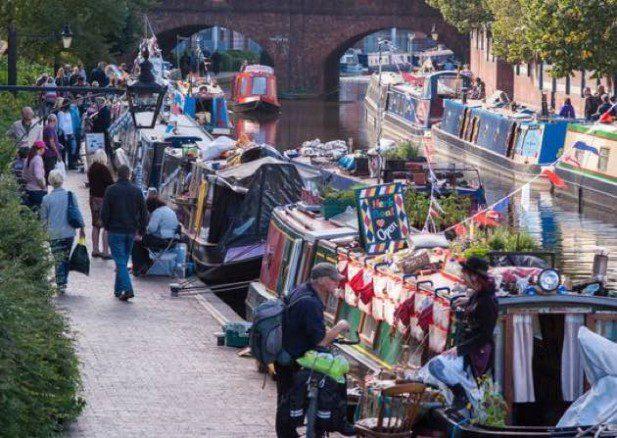 Mercado flotante en el canal de Paddington, junto Edgware road.